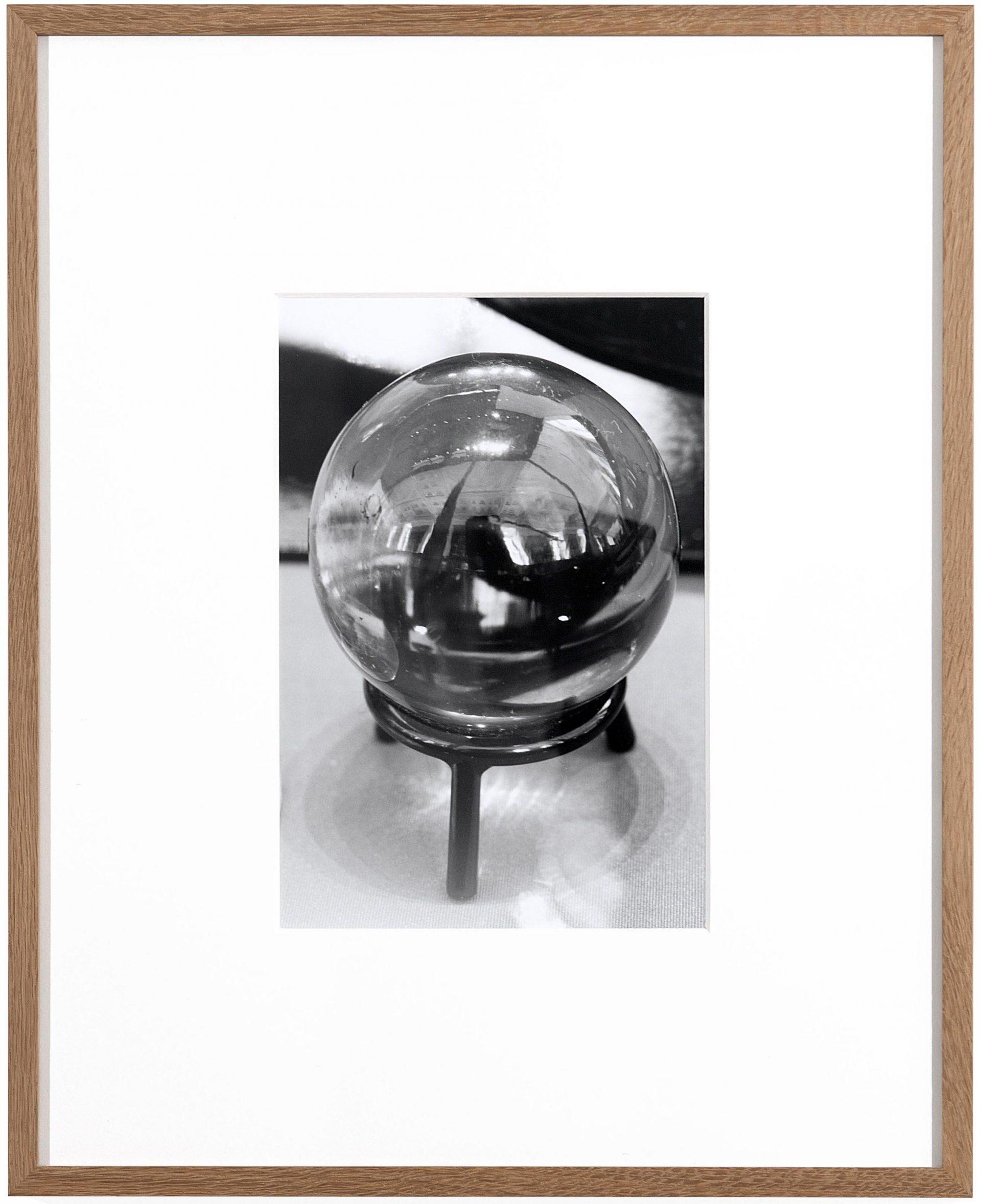 Joachim Koester, The Crystall Ball, 2011